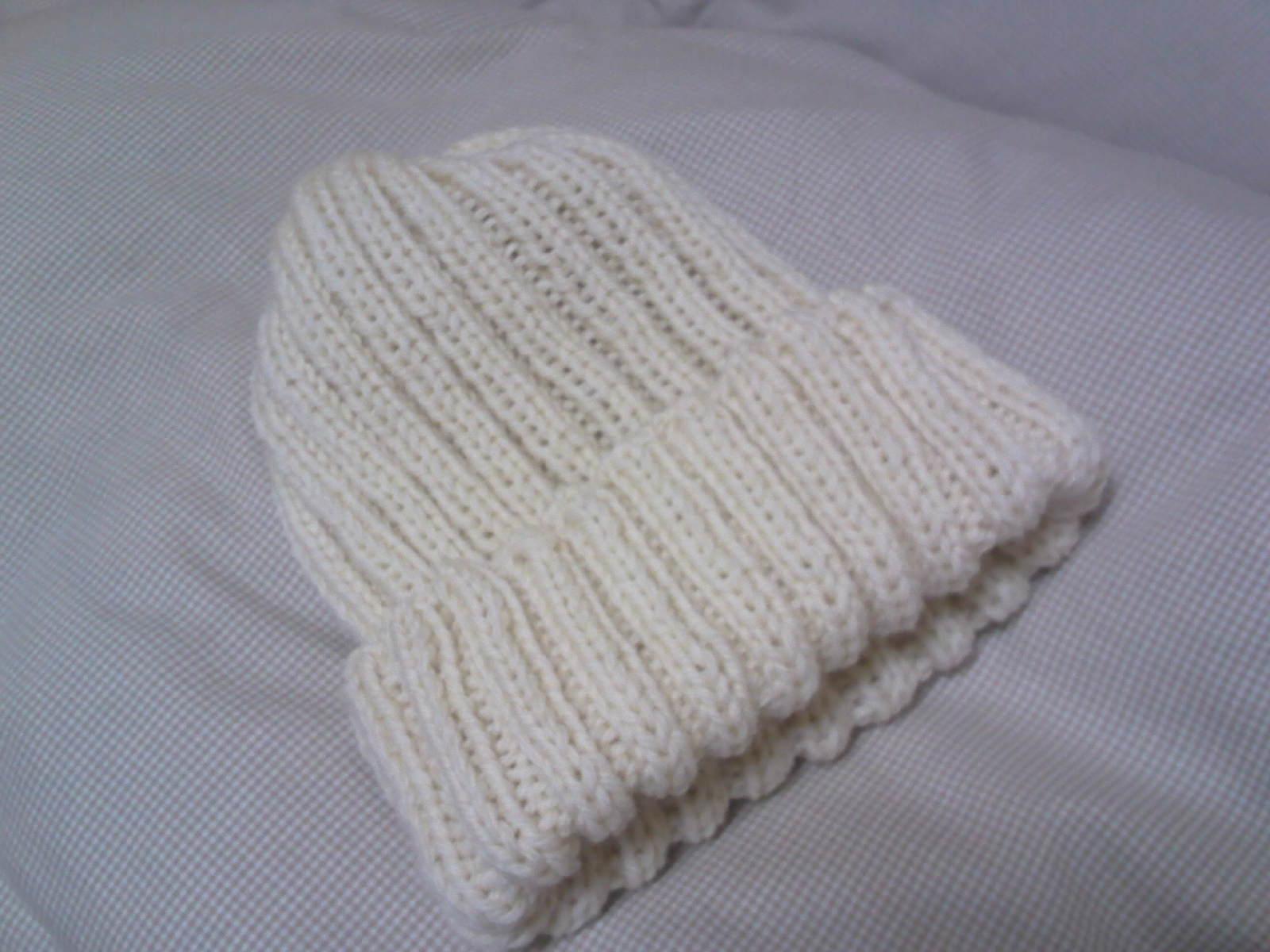 二目ゴム編みの帽子
